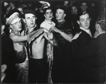un bal au Magic City photographié par Brassai
